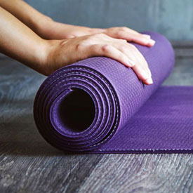 yoga-mat-roll-up